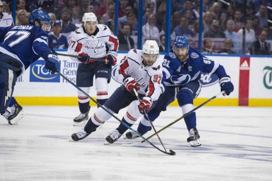 Kuznetsov causó problemas al Lightning en toda la serie. NHL.com.