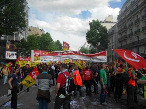 Manifestation du 22 mai: Les cheminots donnent le signal de la ... - vivelepcf.fr