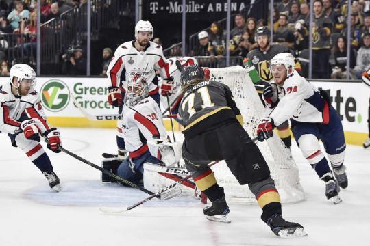 Karlsson metió otro gol más a su cuenta en estos playoffs. NHL.com.