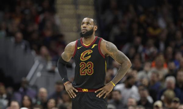 See the moment LeBron James became youngest player to score 30,000 ... - usatoday.com