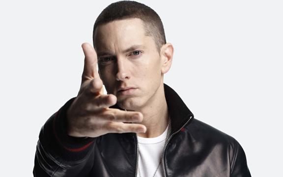 Felicitemos a Eminem, el rapero que lo cambió todo. %% - com.mx