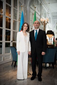 L'Ambasciatore Mammad Ahmadzada e consorte al centenario della proclamazione della Repubblica dell'Azerbaigian - Roma