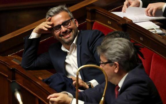 Fête à Macron : Corbière s'emballe et poste par