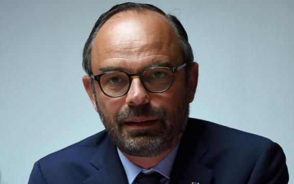 Violences du 1er mai : Philippe et Collomb mouillent le maillot ... - leparisien.fr