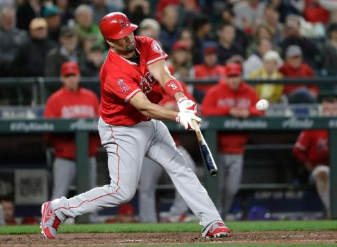 Albert Pujols hizo historia el viernes en Safeco Field en Seattle. MLB.com.