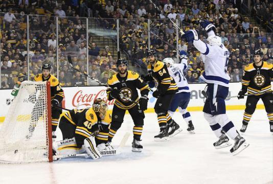 El Lightning tiene la ventaja en la serie 3-1. NHL.com.