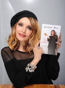 En 2016 : Jeanne Mas sort chez Michel Lafon son premier ouvrage,