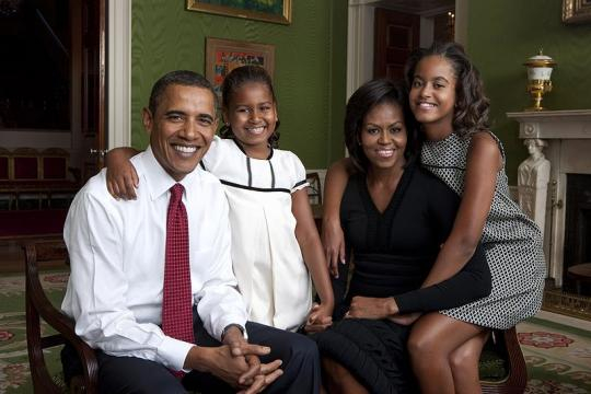 Obama family portrait in the Green Room. - [Image source – Annie Leibovitz / Wikimedia Commons]