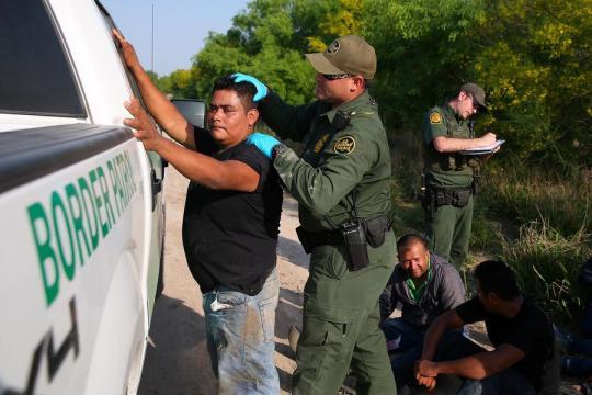 Aux Etats-Unis, la frontière avec le Mexique au coeur des ... - parismatch.com