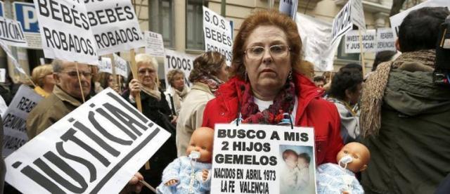 Primer juicio de bebés robados en España y el Dr. Vela debería sentarse en el banquillo