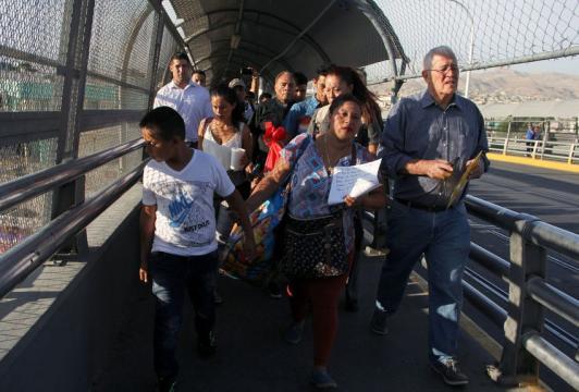 France - Monde | USA: près de 2.000 enfants séparés de leurs ... - laprovence.com