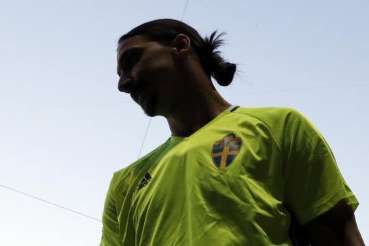 Ibrahimovic: ''Zlatan devrait être au Mondial'' - football.fr