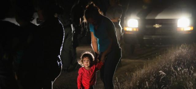 Migrants/USA: près de 2000 enfants séparés de leurs parents en 6 ... - alvinet.com