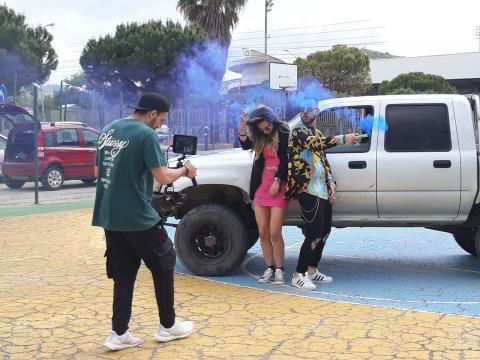 Fotogramma del videoclip Chaparrita