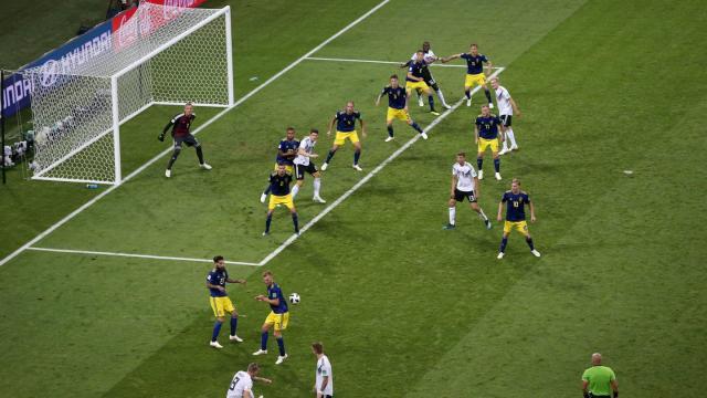 El tiro de Kroos y su gol fue al límite del área chica. FIFA.com.