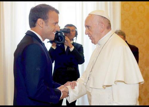 A la Une | Après son entretien avec le pape, Emmanuel Macron fait ... - dna.fr