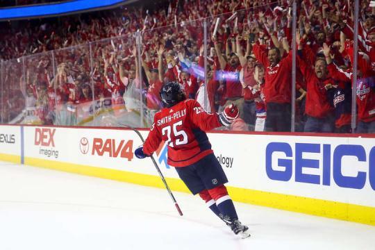 Devante Smith-Pelly hizo el gol del 3-1 y que enfrío el partido. NHL.com.