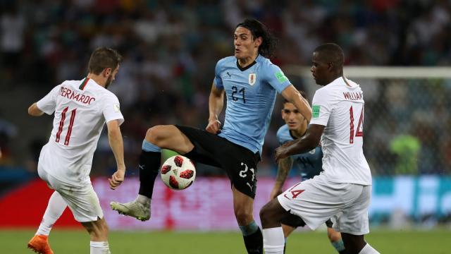 Cavani fue la figura del partido con 2 goles vs Portugal. FIFA.com
