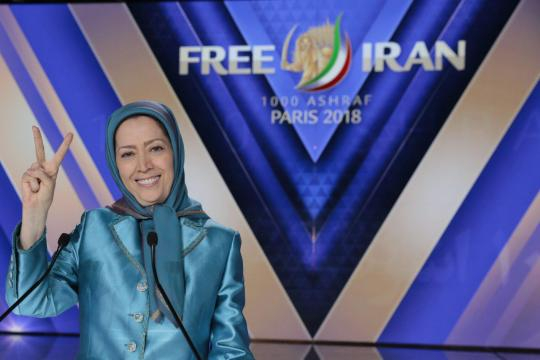 Iranian gathered for freedom in Paris