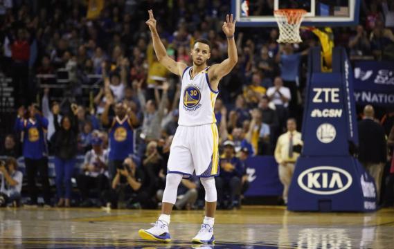 Stephen Curry mete 13 triples ante los Pelicans y hace historia en ... - elpais.com