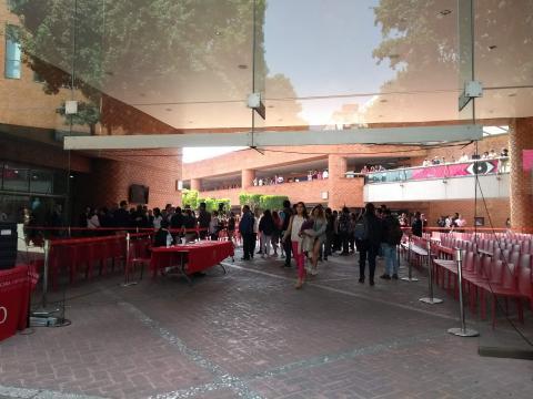 Acceso principal a la Universidad Iberoamercana Plantel Santa Fé.