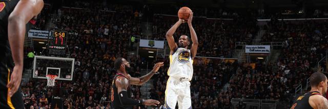 Durant de tres estuvo dulce y James y compañía no pudieron hacer nada. NBA.com.