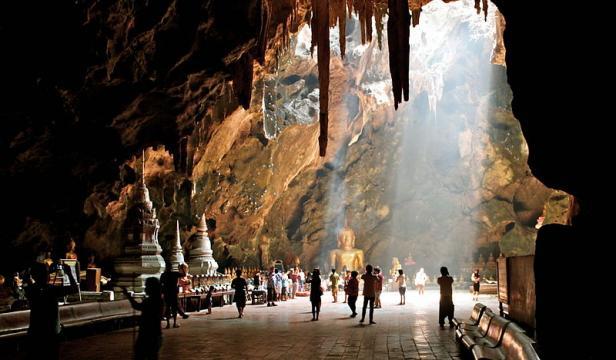 Tham Khao Luang Cave, Thong Chai, Phetchaburi, Thailand (Image courtesy – Zinneke, Wikimedia Commons)