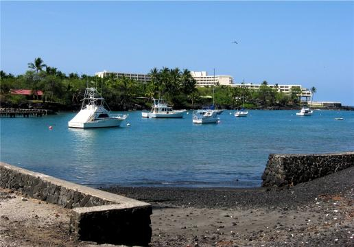 Boat ramp at Keauhou Bay, in the Kona district on Big Island, Hawaii (Image courtesy – W. Nowicki, Wikimedia Commons)
