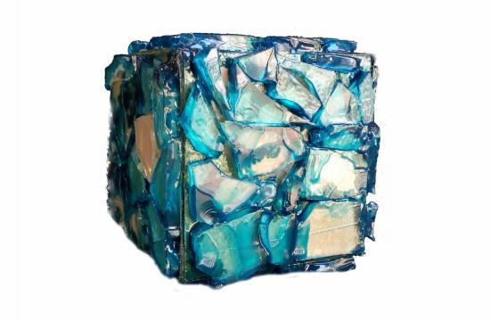 Cubo, mosaico di vetro, dalle tonalità blu azzurre, di diverse dimensioni