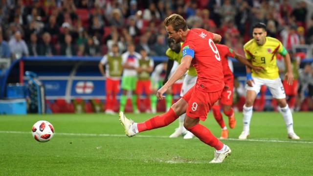 Harry Kane pudo marcar de penal el primer gol inglés. FIFA.com