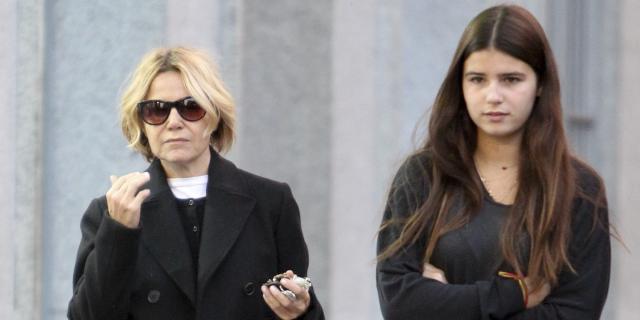 Eugenia Martínez de Irujo niega su enfado ante la portada de Tana ... - bekia.es