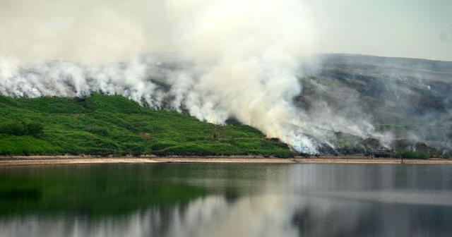 Saddleworth Moor fire: What we know so far about the inferno on ... - manchestereveningnews.co.uk