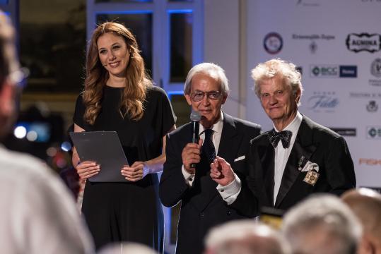 """Valeria Oppenheimer, Mario Napolitano, Luigi Fant che ha ricevuto il Premio """"Vita di Sarto"""""""