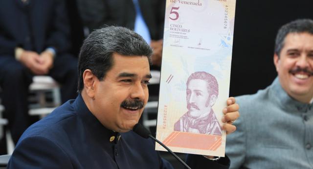 Maduro anuncia nueva reconversión y quita cinco ceros al bolívar