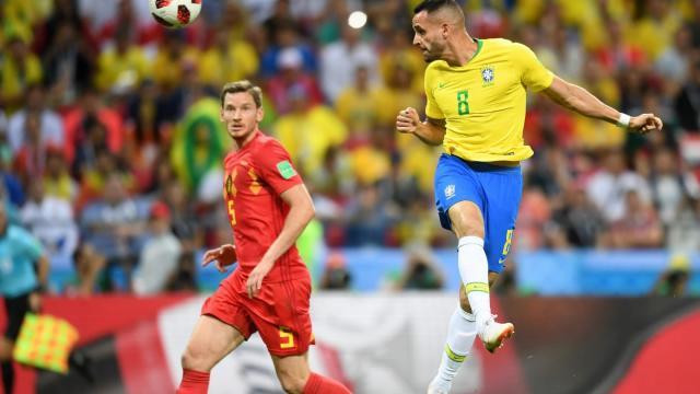 Renato Augusto con su gol, puso a temblar a los belgas al final del partido. FIFA.com