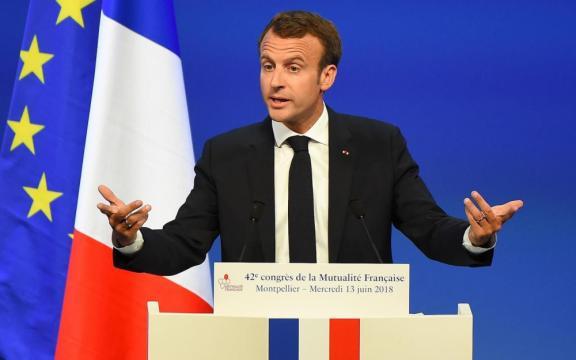 Le social selon Emmanuel Macron - Le Parisien - leparisien.fr