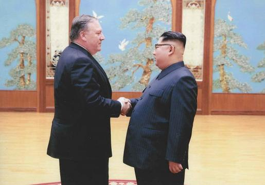 Mike Pompeo and Kim Jong-un (Image courtesy- White House, Wikimedia Commons)