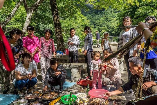 North Korean Family on a BBQ Picnic (Image courtesy- Mario Micklisch, Wikimedia Commons)