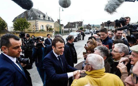 Un an à l'Elysée : Emmanuel Macron droit sur son cap - Le Parisien - leparisien.fr