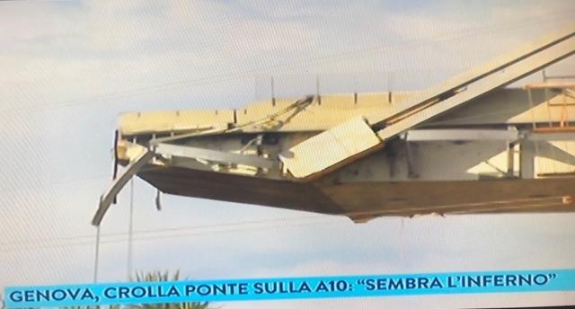 Genova, il ponte Morandi distrutto