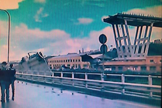 Genova, il ponte Morandi non c'è più