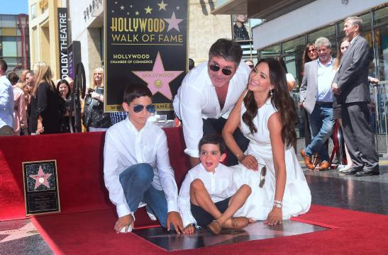 Simon Cowell receives star on Hollywood Walk of Fame ... - (Image via standard.co.uk/Twitter)