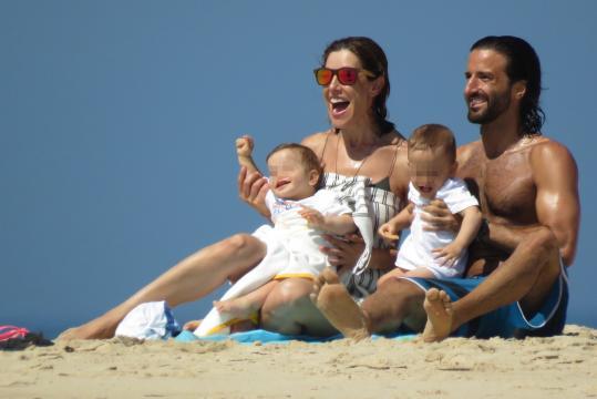 Raquel Sánchez Silva se divierte con sus hijos, que van a cumplir ... - pronto.es