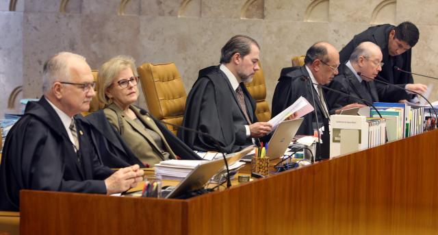 Rosa Weber invocou a constituição e indeferiu o ato do adiamento da substituição da candidatura de Luiz Inácio Lula da Silva