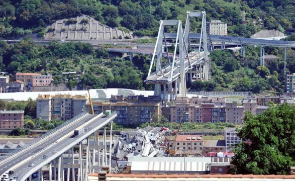 Il Ponte Morandi dopo il crollo dello scorso agosto