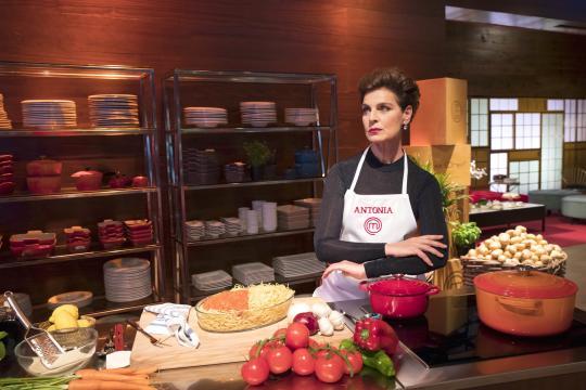 Antonia Dell'Atte fue una de las expulsadas de MasterChef Celebrity ... - elmundo.es