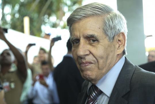 O general Heleno disse que Bolsonaro o quer pertinho dele - Jornal ... - com.br