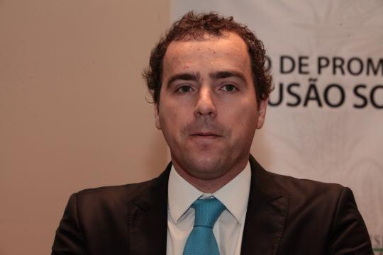 O presidente Bolsonaro nomeia Eduardo Bim para a presidência do IBAMA.