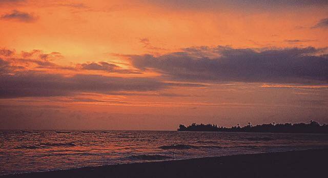 Puesta de sol en la costa Western