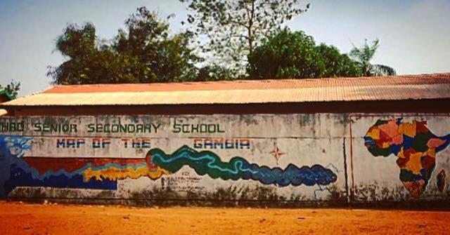 Una escuela secundaria en Sanyang